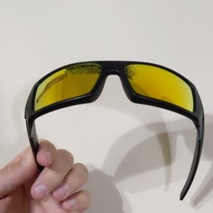"Oakley Accessories - Oakley ""gascan"" sunglasses"